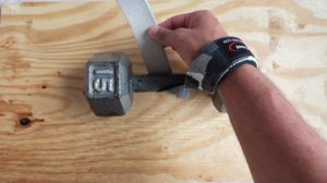 How to use wrist straps (step 7)